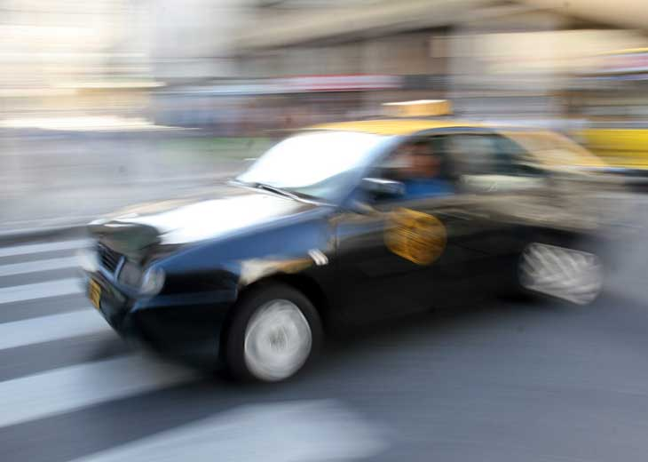 Detienen a un taxista que se masturbó delante de pasajera – Diario ...