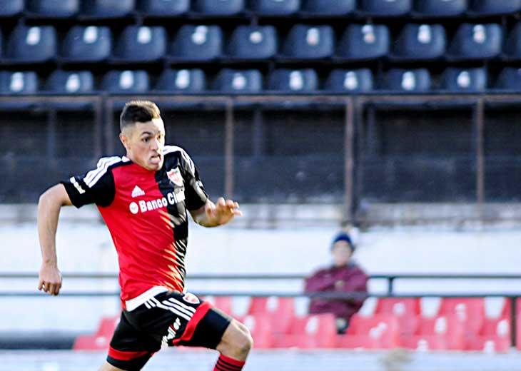 Matías Tissera anotó tres goles esta semana ante Quilmes y va por más. (Enrique Galletto)