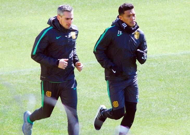 El delantero colombiano entrenó de manera diferenciada por la distensión. (Enrique Galletto)