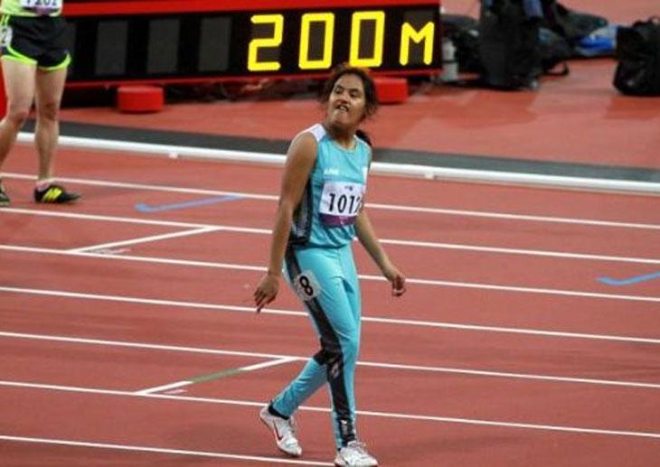 Luego de su experiencia en Londres 2012, la rosarina Yanina Martínez debutará esta tarde en Río en las eliminatorias de 100 metros.