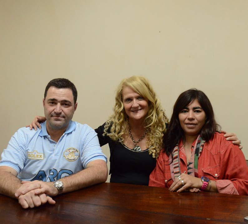 Directivos y colaboradores. Mariano Maccari, Verónica Mackey y Mariela Ferragut.
