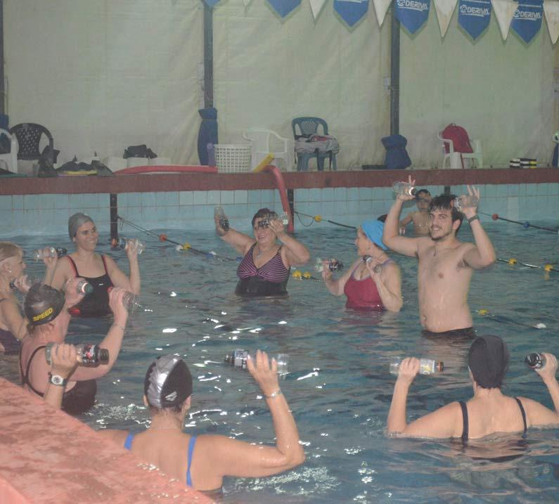 En el natatorio del club se realizan diversas actividades. Entre ellas, aquagym.