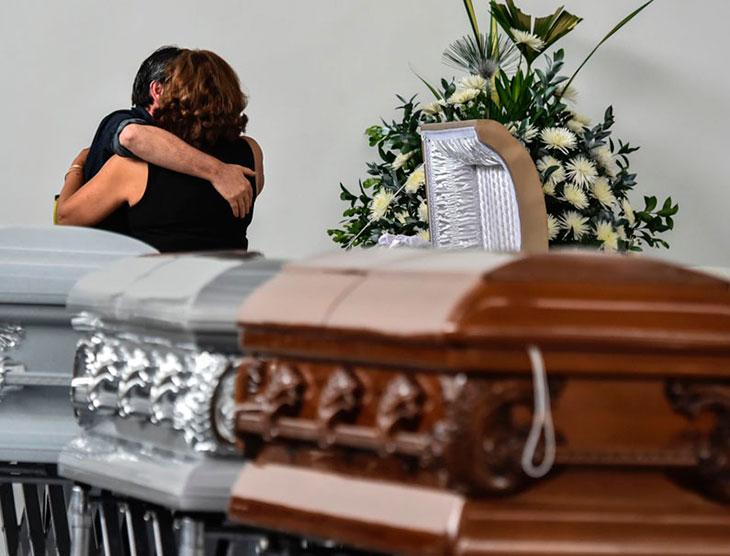 Con homenaje militar trasladan restos de víctimas a Brasil — Chapecoense