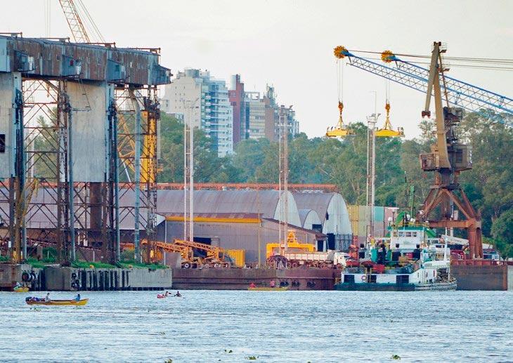 4 terminales de Argentina paralizan tras muerte de trabajador portuario