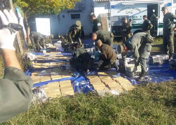 Transportaban 935 kilos de marihuana escondidos entre bolsas de arroz