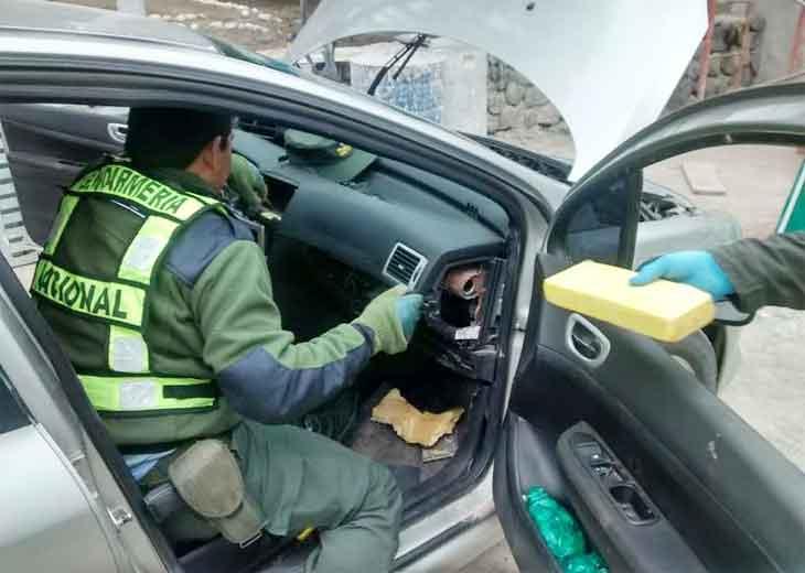 Desbaratan una banda que transportaba cocaína hacia la provincia — Narcotráfico