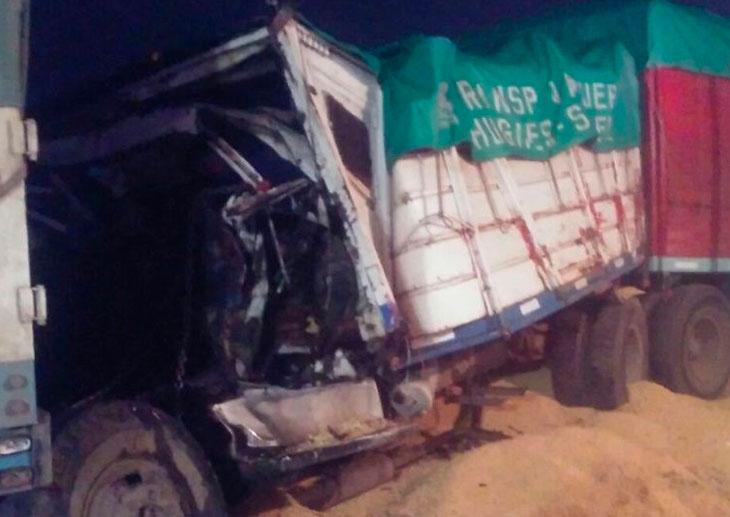 Un muerto en un choque en cadena con cinco camiones