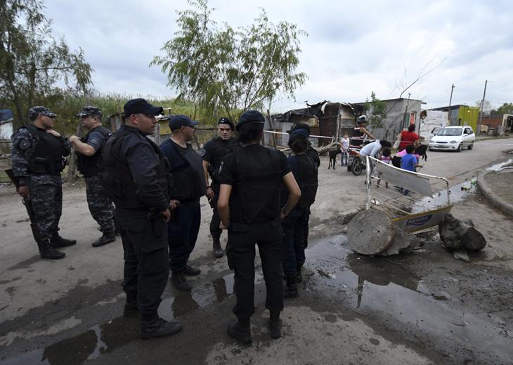 Ejecutan a un hombre e investigan una seguidilla de crímenes — Rosario