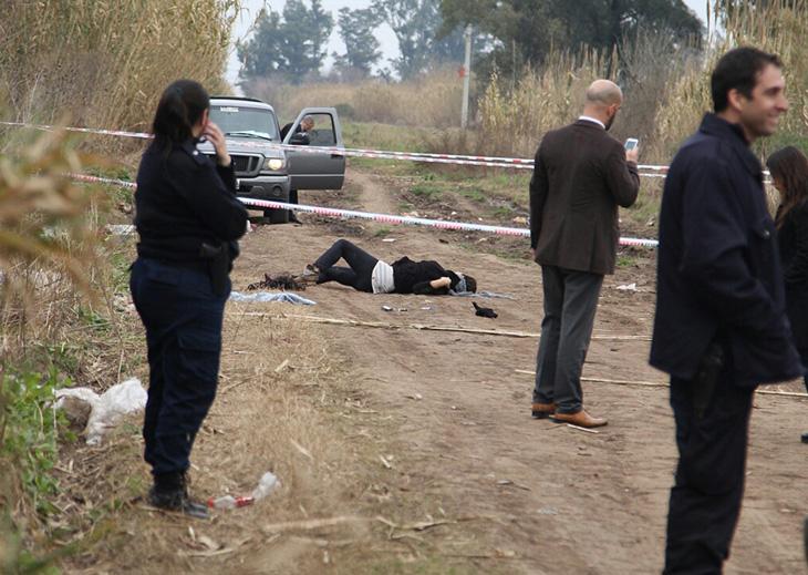 Macabro: hallan a travesti asesinado de cinco balazos en unos cañaverales
