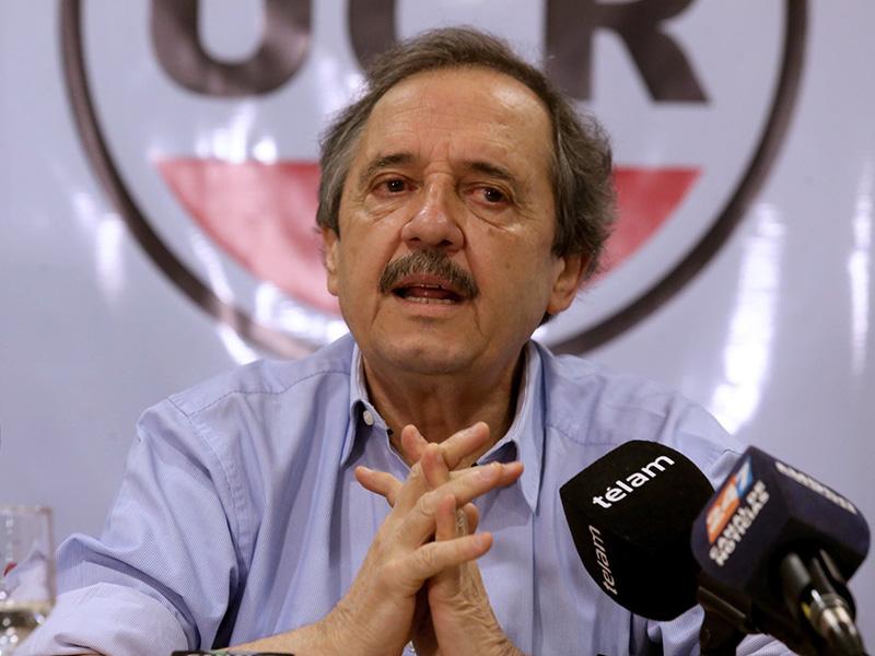 Ricardo Alfonsín apoyó la marcha de Moyano y sorprendió al macrismo