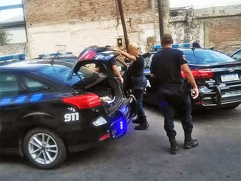 Policías son liberados — Estudiantes del CAAV
