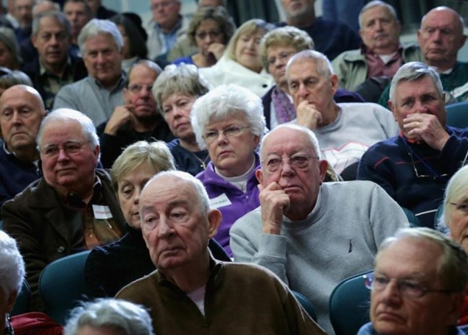 El FMI recomendó aumentar la edad jubilatoria y bajar los haberes iniciales
