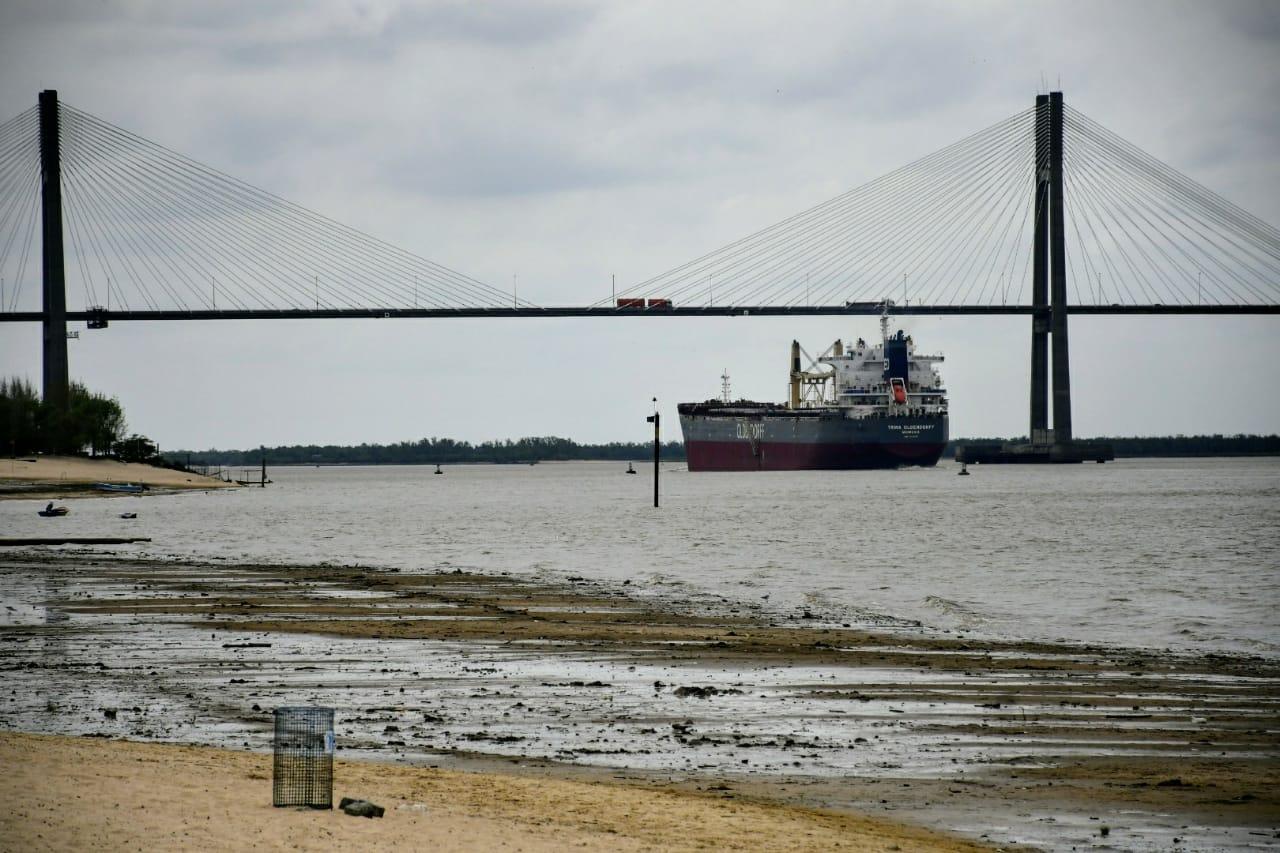 Prefectura advierte por la bajante del río Paraná más baja en 15 años