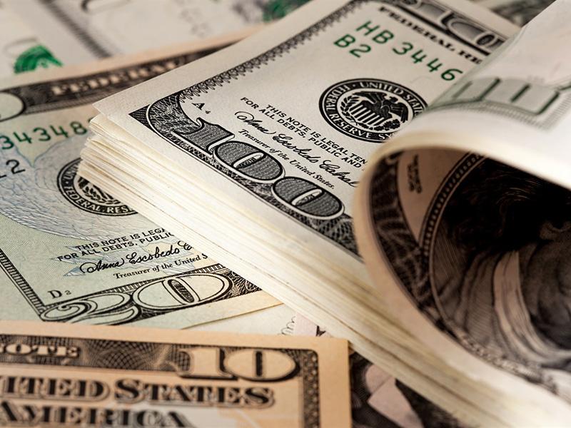 Peso argentino se deprecia un 2,5 % luego de tres días al alza