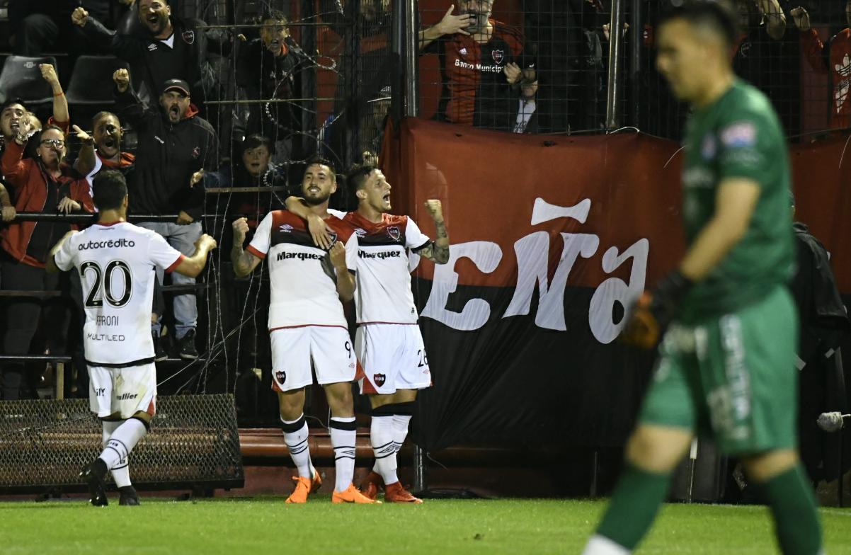 Newell's suma y Argentinos se hunde