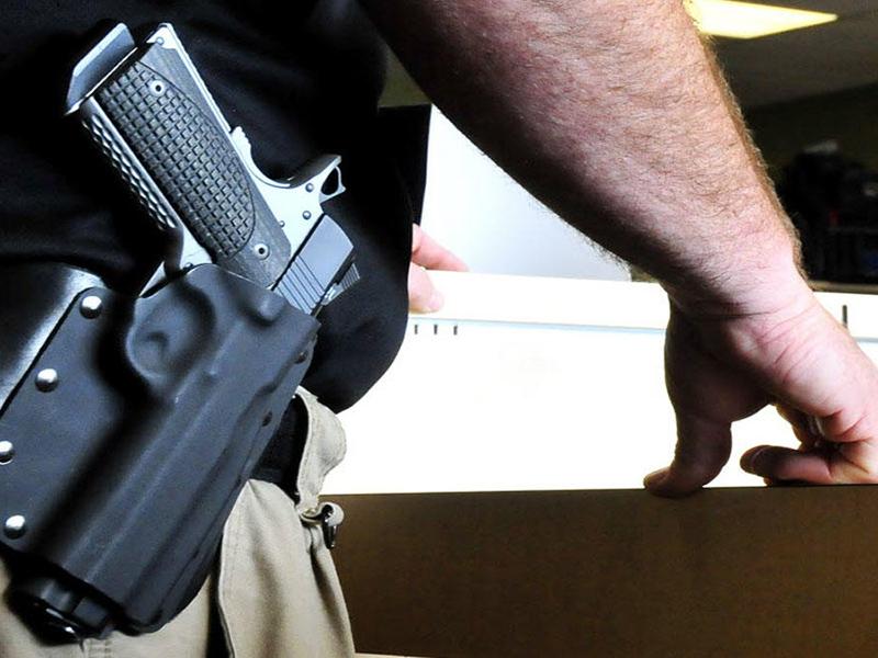 Florida: Aprueban ley para que maestros puedan ir armados a las escuelas