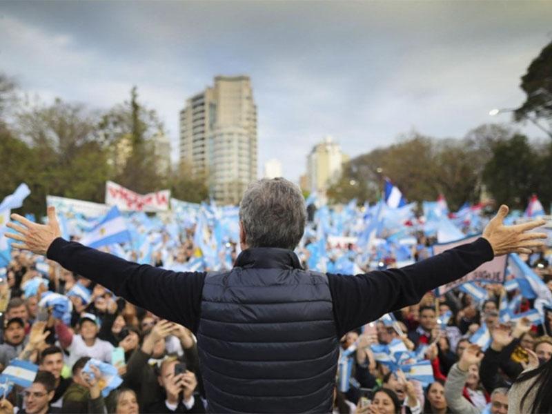Macri encabeza la Marcha del Millón en el Obelisco