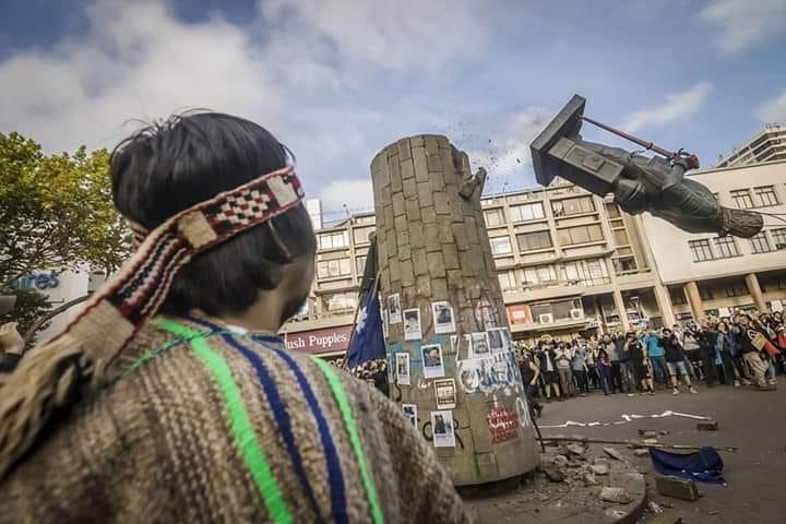 Chile: derriban una estatua del conquistador español Pedro de Valdivia - El Ciudadano & La Gente