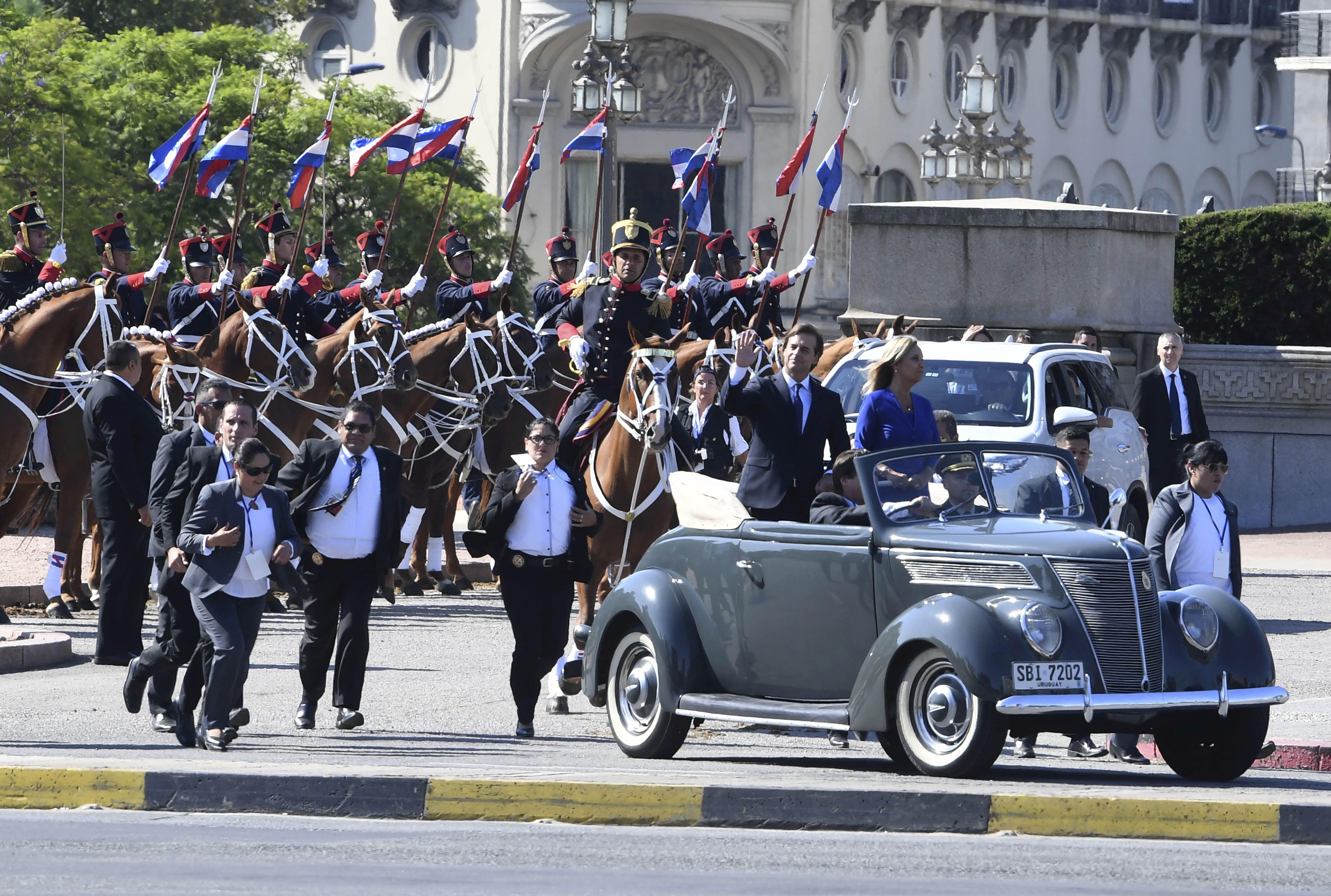 Uruguay abandona la Unasur
