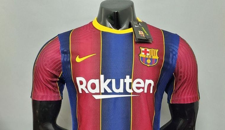 La camiseta de Barcelona se deja de vender porque destiñe