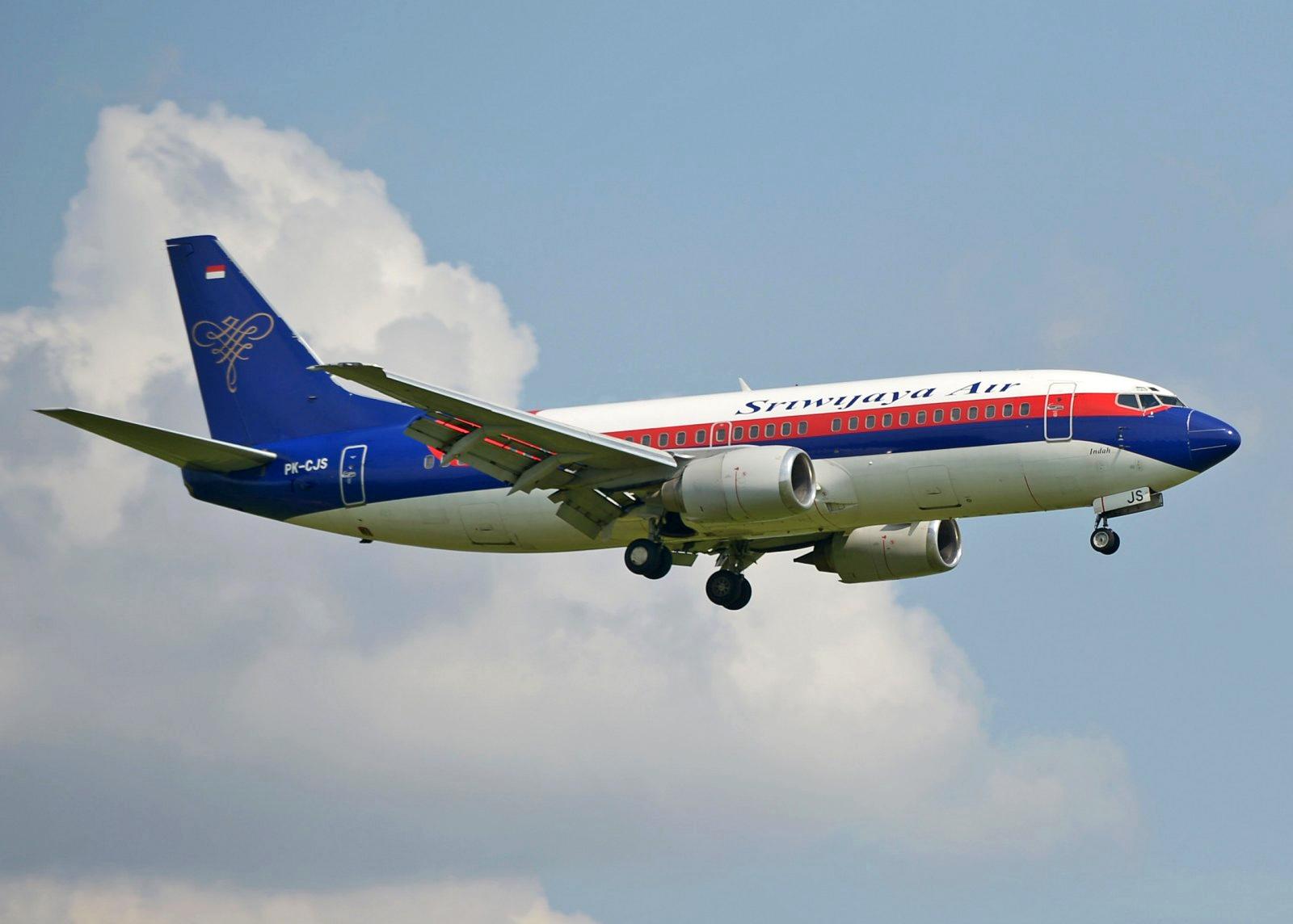 Desapareció un avión Boeing 737 pocos minutos después de despegar de Yakarta
